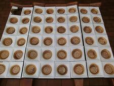 die Ofenkacheln von einem antikern Kachelofen