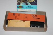 Ho Scale Athearn 1627 Pacific Fruit Express 50' Single Door Reefer 302212 C3562