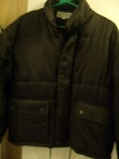 MENS OUTDOOR WEAR PADDED JACKET WITH ZIP AND POCKETS  SIZE SMALL