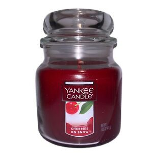NEW CHERRIES ON SNOW YANKEE CANDLE MEDIUM JAR CHRISTMAS & HOLIDAY SCENT 14.5 OZ