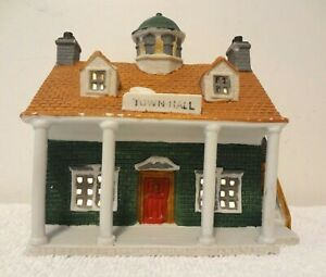 Lemax PORCELAIN LIGHTED TOWN HALL Dickensvale VILLAGE 1993 Christmas 35090
