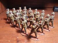 Vintage lot (20) of Belgian WW1 toy soldiers marching with bugler