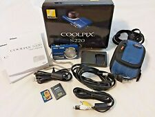 Nikon COOLPIX S220 10.0MP Digital Camera