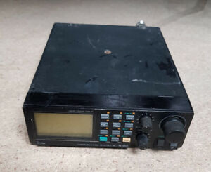 Icom IC-R100 Mobile HF/VHF/ UHFscanner/ Receiver