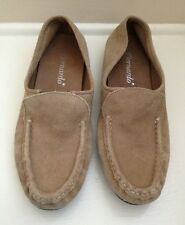 BERNARDO Tan Suede Womens Slip On Driving Loafers Hand Made In Brazil 8.5 M EUC