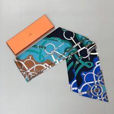 Nuevo Auténtico Hermes Maxi Twilly Blue Eperon d' o Estampado de Seda Bufanda De Cuello Cabeza cintura L