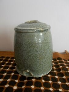 vase en ceramique grés porcelaine émaillé vert signé charles hair celadon