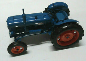 Model Tractor FORDSON POWER MAJOR 1958  1/16 by UNIVERSAL HOBBIES