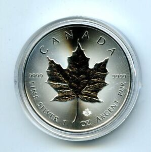 2021 $5 CANADA 1 OZ .9999 SILVER MAPLE LEAF COIN IN A PLASTIC CAPSULE