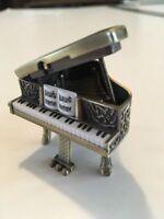 Grand Piano MINIATURE CLOCK