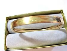GOLD TONE BRASS OR PLATED METAL HINGED ETCHED DESIGN VINTAGE BRACELET MARATHON