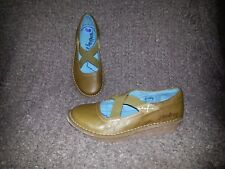 GROUNDHOG-Olive Leather Mary Janes Stretch Slip On Shoes-SZ 6.5-Near Mint
