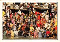 BR28186 Benares ghats on the river ganges india