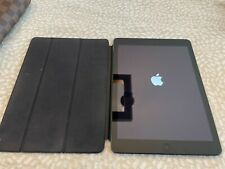 """Apple iPad Air 1st Gen. 32GB Wi-Fi 9.7"""" Space Gray + Magnetic Smart Folio Cover"""