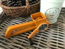 👿 Ancienne Râpe à Fromage Mouli Grater Vintage Orange Made In France