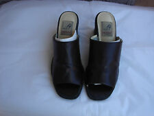 "AUTHENTIC "" ANNE MICHELLE "" WOMAN'S BROWN LEATHER LIKE WET PU SHOES"
