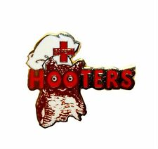 HOOTERS RESTAURANT HOOTERS SAFETY FIRST AID OWL STAFF HOOTIE LAPEL PIN