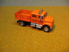 HO 1/87 INTERNATIONAL CREW CAB STAKE BODY  TRUCK WITH ADDED DETAIL LIGHTS 2 PIC