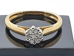 18crt yellow White Yellow Gold ring   7 Cluster Diamond 0.15ct Size M