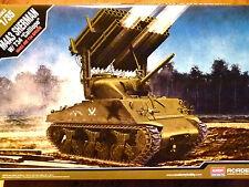 """ACADEMY 1:35 M4A3 SHERMAN CON T-34 """"CALLIOPE"""" serbatoio modello KIT"""