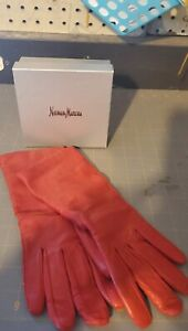 Neiman Marcus women's Red Leather Gloves, Sz M, Blended Lining