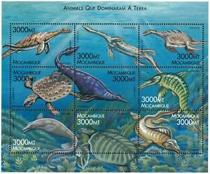Mozambique 2000 - Animals That Ruled the Earth - Sheet of 9 - Scott 1354 - MNH