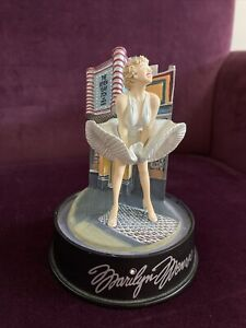"""Marilyn Monroe Seven Year Itch 5"""" Music Figurine With Glass Dome #A3787"""