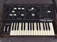Moog Prodigy  Synthesizer  Analogic  moog prodigy