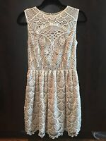 NWT VALENTINO RED PRICE DROP Detailed Lace Off White Dress 40/4