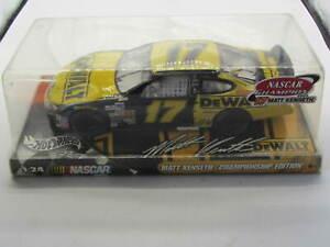 DeWalt Matt Kenseth 2003 Hot Wheels Racing 1:24 NASCAR Championship Edition # 17