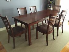 Extendable Dining Table and 6 Dining Chairs Set