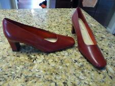 Harve Benard by Hotzman women's size 7.5 7 1/2 M red shoes heels pumps 16-0365-3