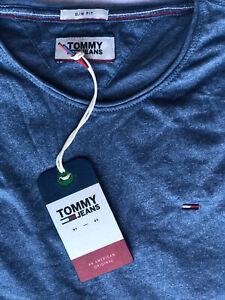 Mens Tommy Hilfiger crew neck short sleeve  t-shirt size S. slim fit. Sky Blue