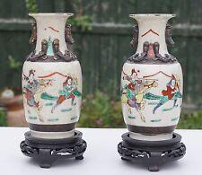 COPPIA ANTICO IN PORCELLANA CINESE FAMIGLIA VERTE Crackle Glaze VASI & stand in legno