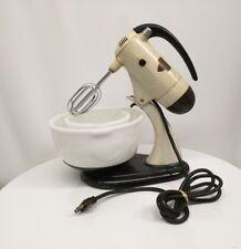 Vintage Sunbeam Mixmaster Model 7B  Tested Works + 2 Glasbake Mixing Bowls