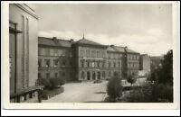 Arnau Hostinné Tschechien AK ~1960 Straßenpartie mit Gymnasium Vintage Postcard
