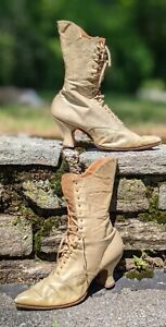 UNUSUAL VICTORIAN 19TH C LEATHER HIGH HEEL BOOTS / SHOES W SCALLOPED TOP