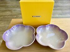 NUOVO Ltd ed il Giappone Le Creuset BLUEBELL viola medio fiore Deep Bowl Set di 2