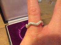 Hübscher 925 Silber Ring Zick Zack Optik Modern Design Funkelnd Glitzernd Super
