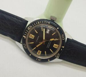 USED VINTAGE TIMEX 200 FEET DIVER BLACK DIAL DATE MANUAL WIND MAN'S WATCH