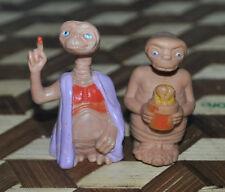 E.T. Extra Terrestrial Alien 2 Pair Figures Pink Blanket Flowers Vintage 1982