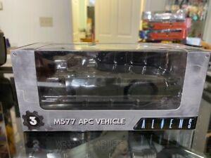 NECA Cinemachines Series 1 Aliens Die-Cast M577 APC Vehicle NIB