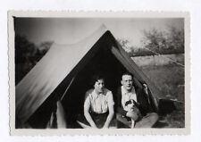 PHOTO ANCIENNE Couple Camping Toile de Tente Chien Vers 1940 Snapshot Vacances