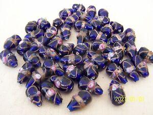 Lot de 6 perles en pate de verre. perles anciennes de Murano. bleu nuit. N°11