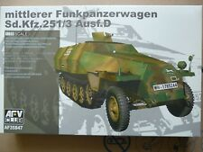 Maquette WWII 1/35 AFV CLUB Ref 35S47 Sd.Kfz. 251/3 Ausf. D