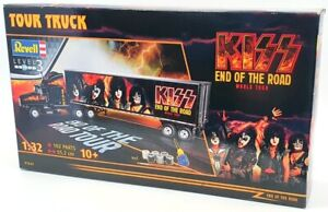 Revell 1/32 Scale Model Truck Kit 07644 - Tour Truck Kiss End of The Road
