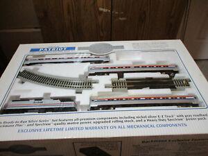 Bachmann Silver Series Patriot HO Electric Amtrak Passenger Train Set #01104