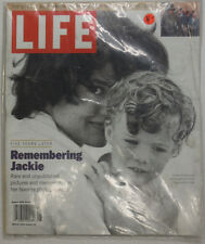 Life Magazine Jackie Kennedy Onassis August 1999 NO ML 051215R