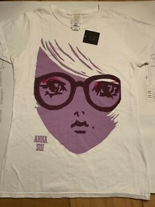 anna sui t shirt Invitation Size M, White With Purple Face Print.