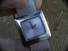 damaged face dnky uni-sex wrist watch mesh band 110504 works silver tone